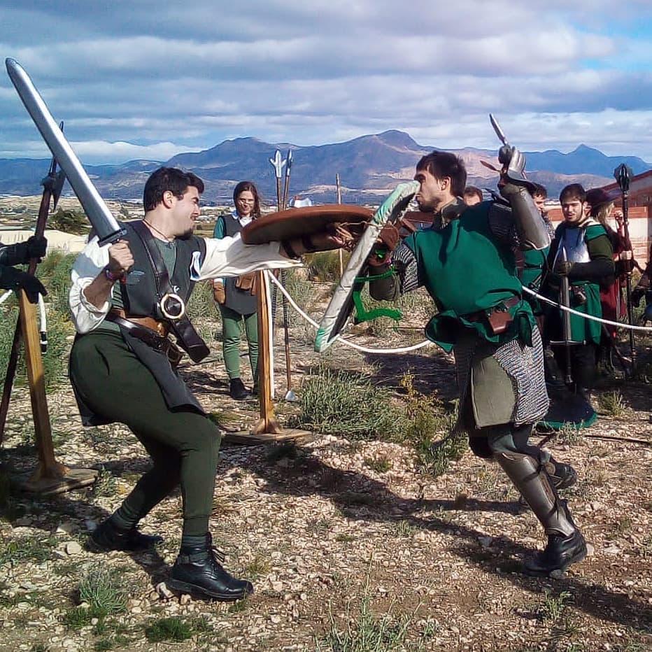 Duelo de softcombat en el evento de LARP Glinster, en Aspe Alicante